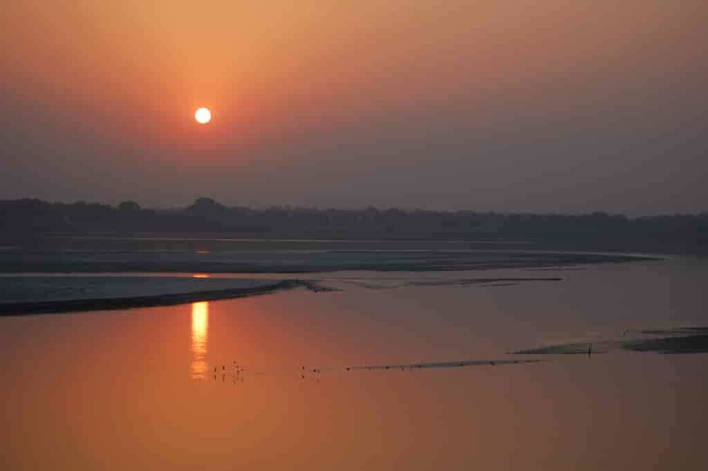A-sunrise-stroll-along-the-river-Varanasi