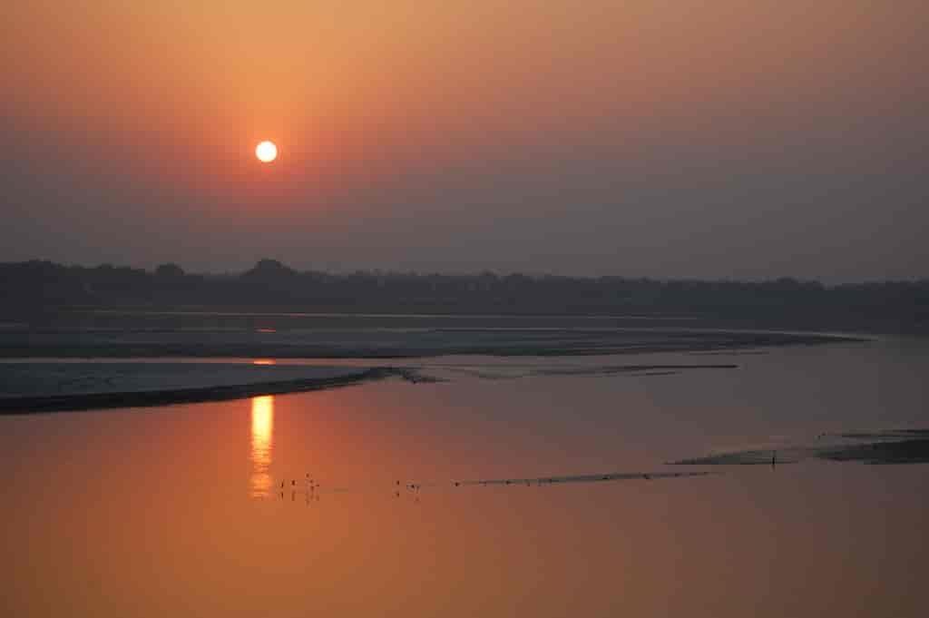 A-sunrise-stroll-along-the-river-Varanasi