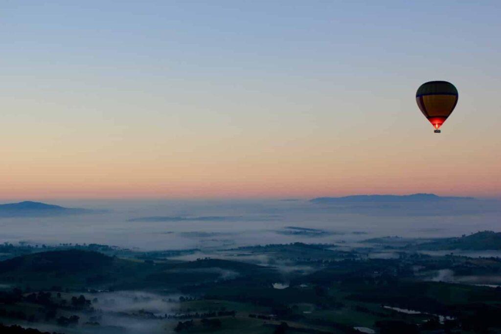Balloon-rides-at-sunrise-and-sunset-Rishikesh