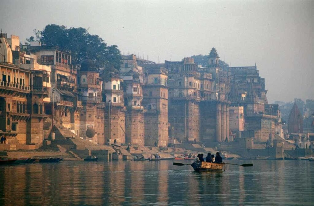 Boat-Ride-in-the-Ganges-Varanasi