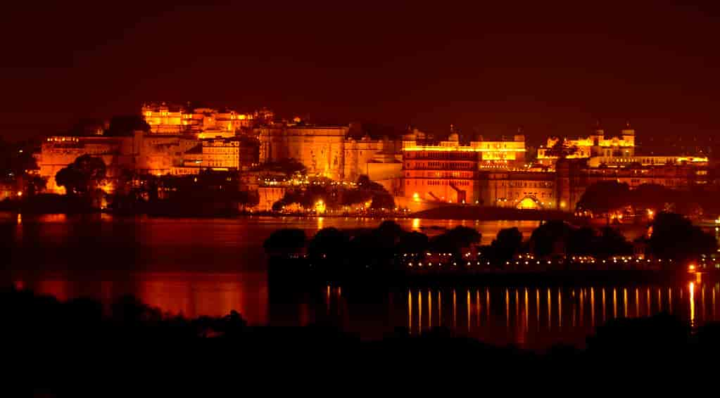 City-Palace-Udaipur-night-view