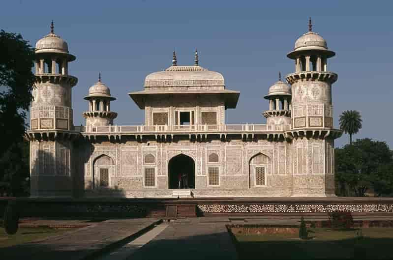 Itmad-ud-Daulah's-Tomb