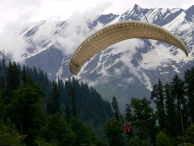 Paragliding-is-another-cool-adventure-sport-that-can-be-taken-Kasol-And-Manikaran