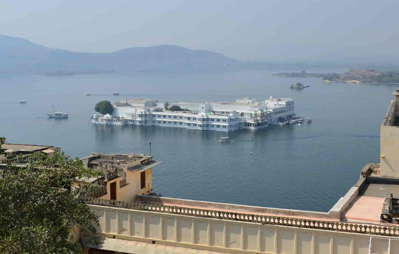 Pichola-Lake-udaipur-india