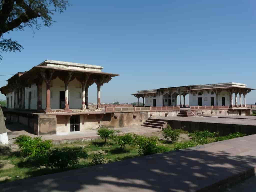 Ram-Bagh-pavilion-Agra