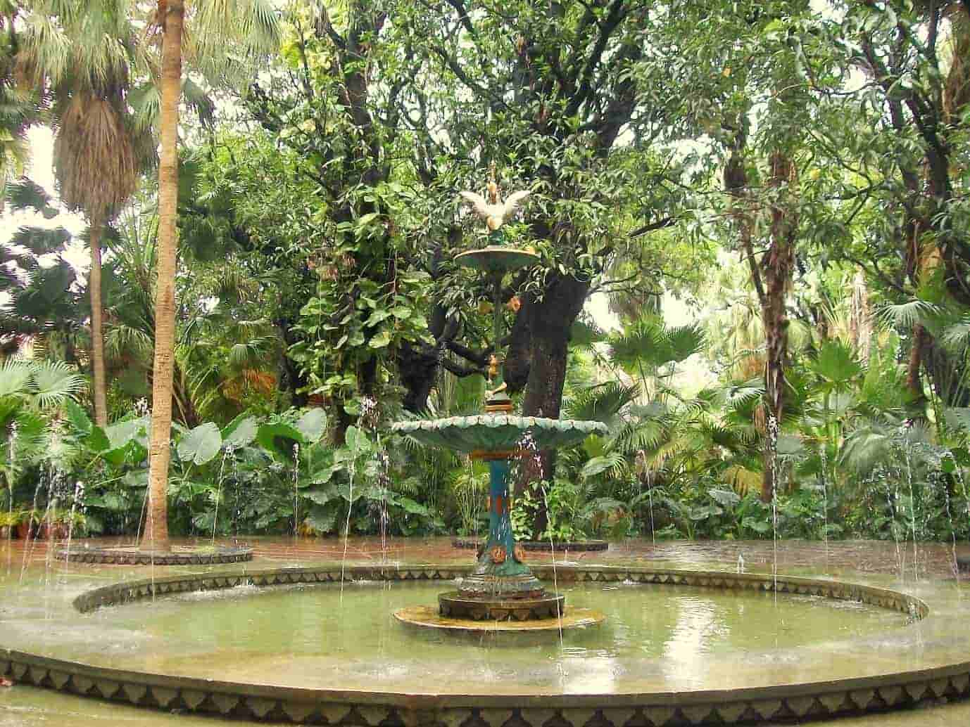 Saheliyon-Ki-Bari-is-a-beautiful-garden-with-exotic-fountains