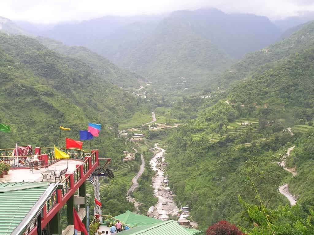 Sahastradhara, Dehradun is a beautiful waterfall cum cool water spring