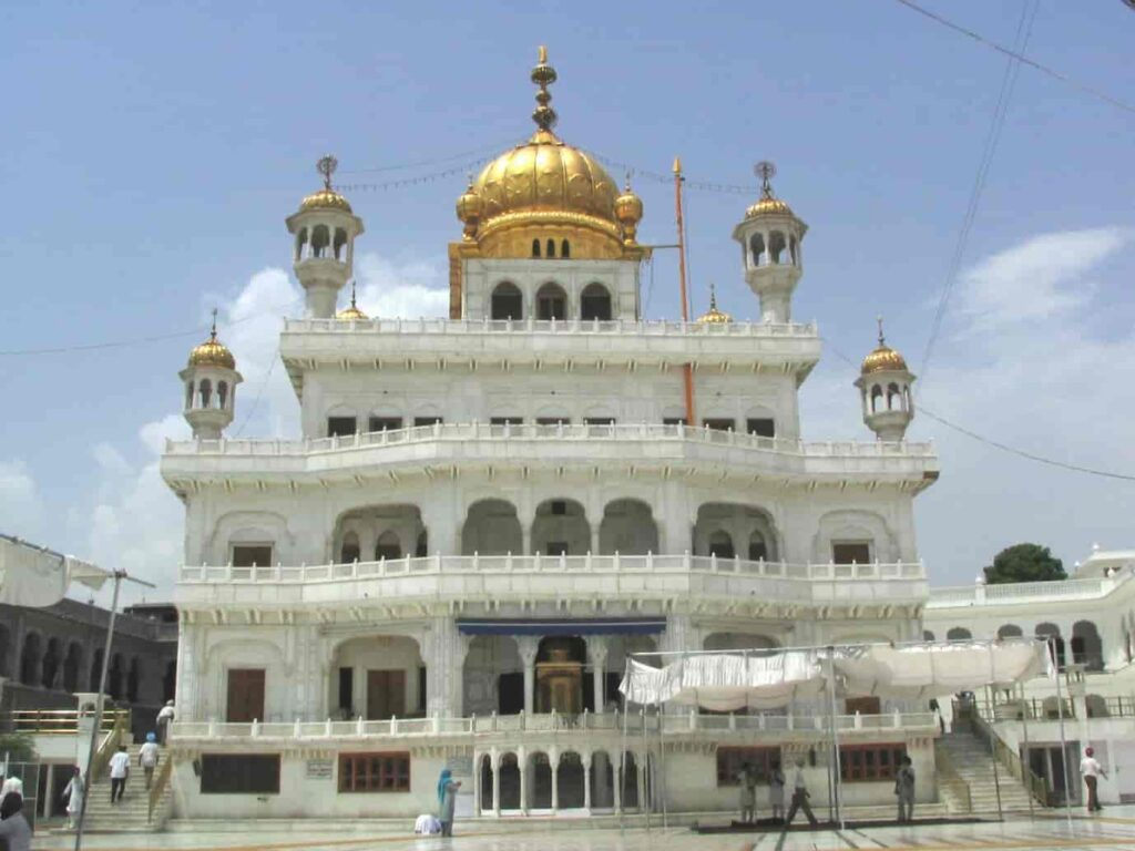Akal-Takht-Near-Golden-Temple-One-of-the-best-Places-to-Visit-in-Amritsar