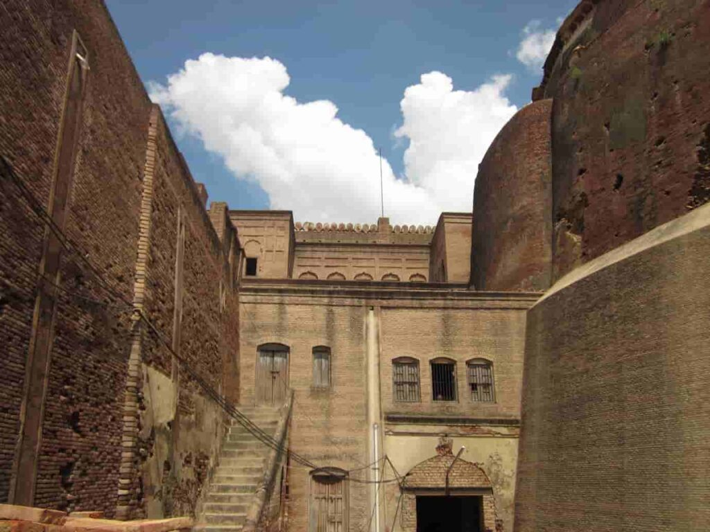 Bathinda-Fort-One-of-the-best-Places-To-Visit-in-Amritsar