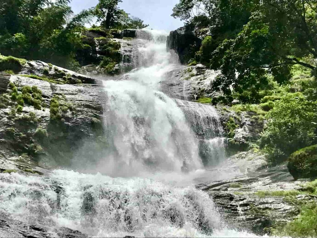 Cheeyappara-waterfalls-are-a-magnificent-sight-that-differs-it-from-other-waterfalls-in-the-kerala-state.