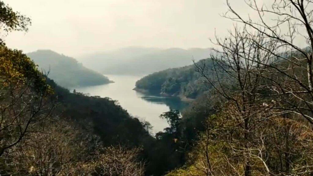 Cheruthoni-Dam-Idukki-Tourist-Places