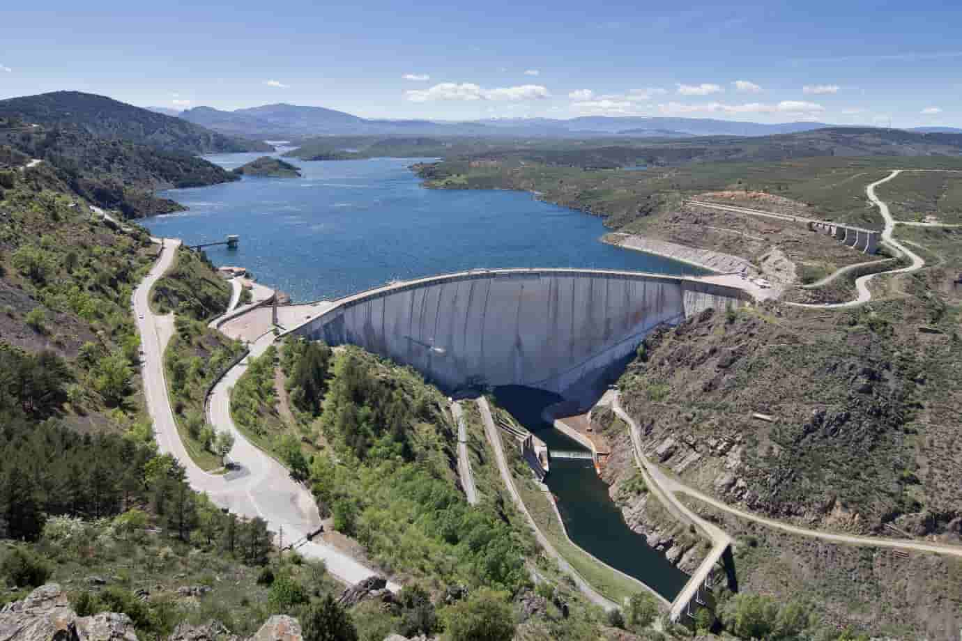 Idukki-Arched-Dam-second-largest-arched-dam-in-the-world