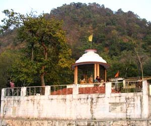 Kanavashram-is-a-serene-place-amidst-the-thick-forests-and-by-the-side-of-Malini-river.-It-is-one-of-the-best-things-to-do-in-Lansdowne