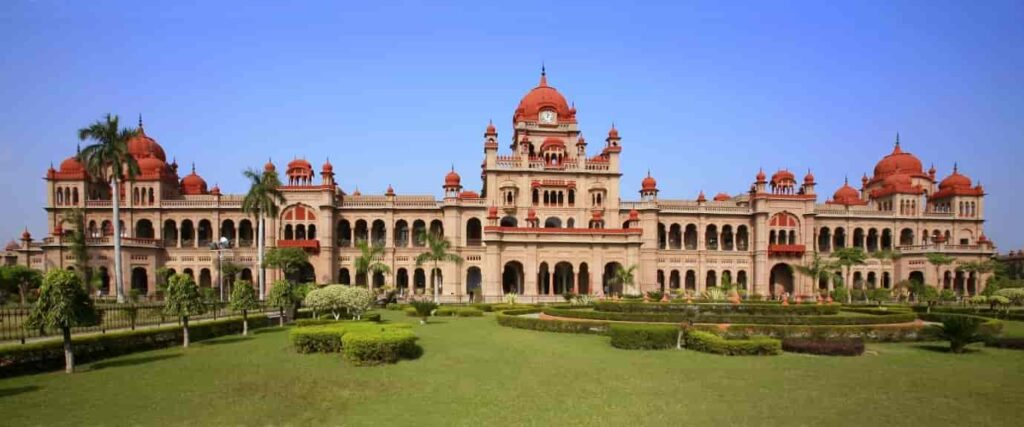 Khalsa-College-is-seen-as-the-highest-institution-for-education-and-has-one-of-the-best-architectural-works