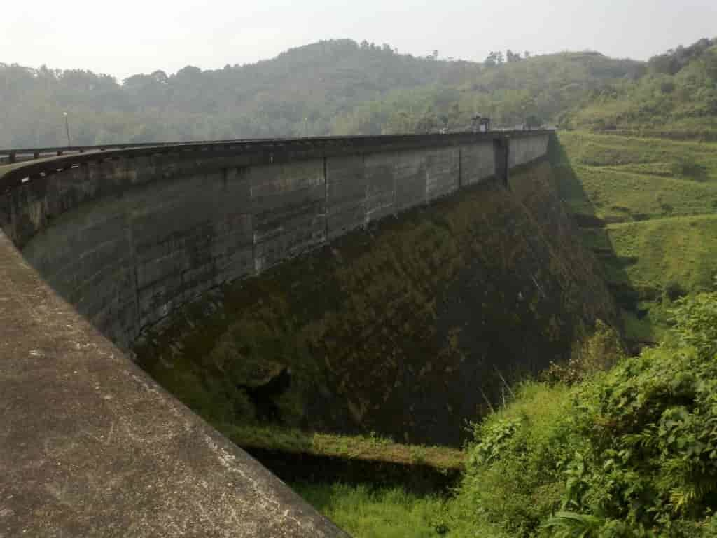 Kulamavu-Dam-is-one-of-the-best-Idukki-tourist-places