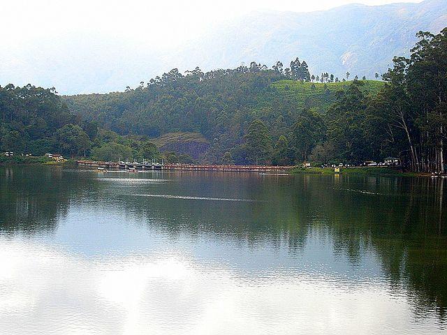 Mattupetti-Dam-is-located-near-Munnar-and-Anamudi-Peak