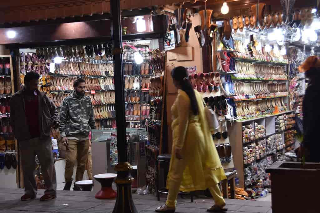 The-Hall-Bazaar-Places-to-Visit-in-Amritsar