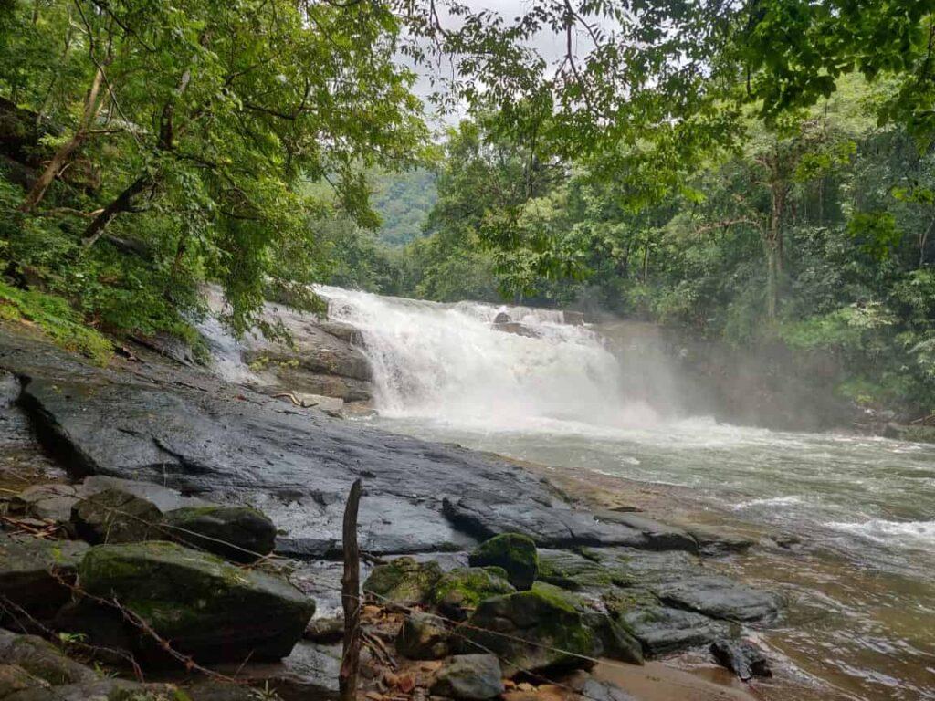 Thommankuthu-Waterfalls-Idukki