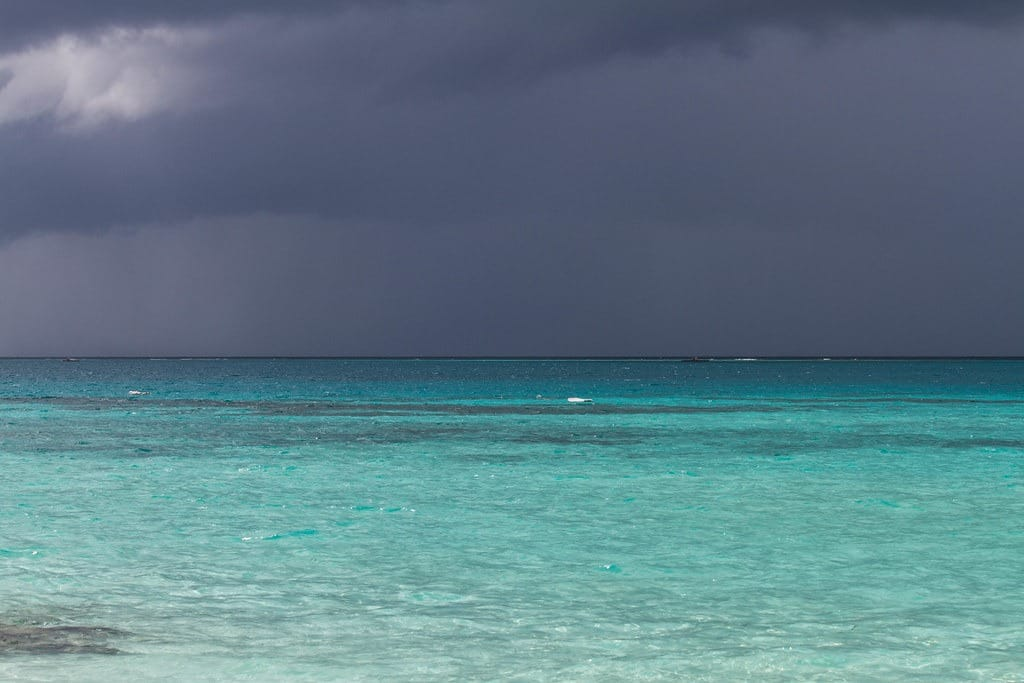 best-time-to-visit-the-maldives-also-enjoy-monsoon-season