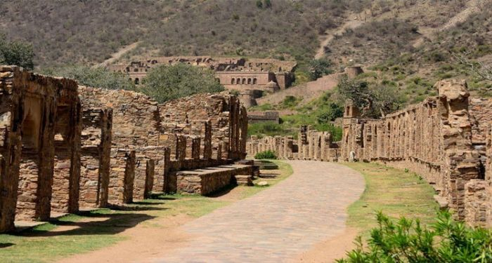 haunted bhangarh fort history